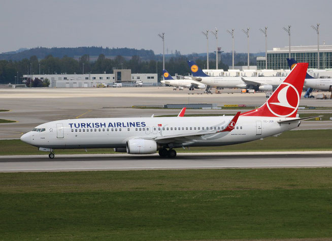 "B 737-8F2 "" TC-JGR "" Turkish Airlines -2"