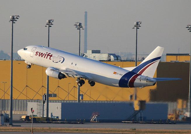"""B 737-4Y0(SF)  """" EC-MIE """"   Swiftair -2"""