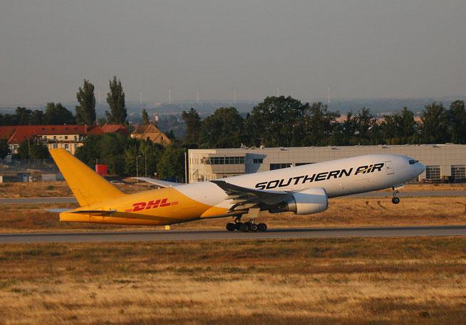 """B777-FZB """" N777SA """" Southern Air -2"""