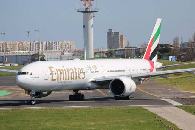 "B 777-36N/ER "" A6-EBN "" Emirates -1"