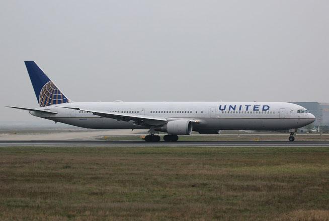 "B 767-424ER  ""N66057""   United Airlines -1"