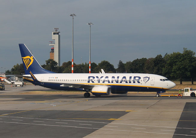 "B 737-8AS (W)  "" EI-FTV ""  Ryanair -1"