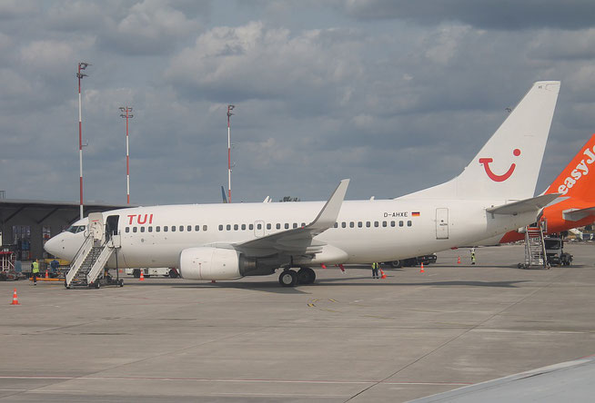 "B 737-7K5/W "" D-AHXE "" TUIfly -2"