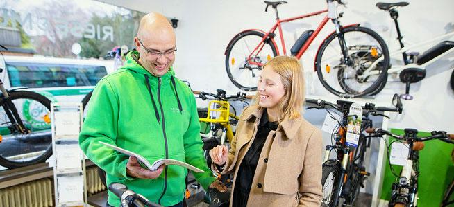 Häufige Fragen und Antworten zu e-Bikes, Pedelecs und Elektrofahrrädern