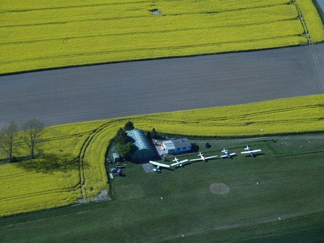 Flugplatz Sierksdorf Hof Altona  EDXT