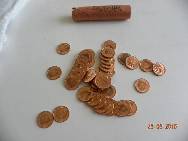 10$ ch. rouleau , que j'ai ouvert pour voir leur état , et qui était dans la boite ci-haut