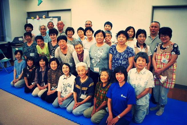 毎週火曜日が待ちきれない!篠田先生と笑顔の素敵な仲間たち(だんだん広場火曜クラス)