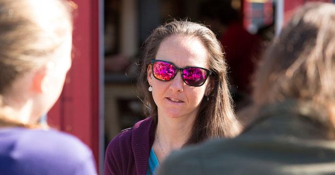 Nicht ganz rosa, aber optimistisch: Eva Lechner blickt hoffnungsvoll in die Zukunft  ©LUNA-Team