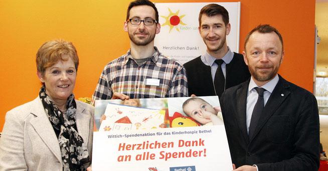 Die Firma Wittich spendet 3.500 Euro an das Kinderhospiz Bethel © Reinhard Elbracht
