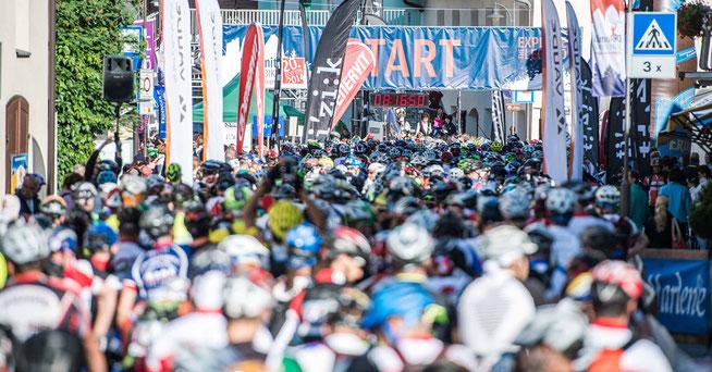 Start zum Dolomiti Superbike © www.wisthaler.com
