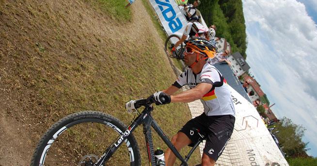 Trotz gesundheitlicher Probleme schaffte es Manuel Fumic auf Rang 20 ©SST