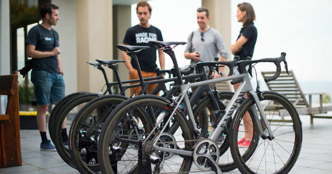 Modelle des Ultimate CF SLX im australischen Headquarter © Canyon Bicycles // Veeral Patel