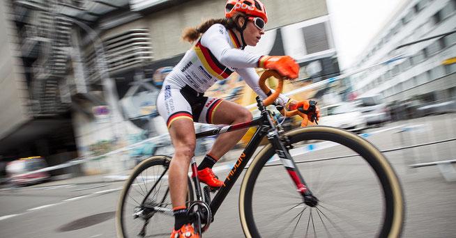Elisabeth Brandau auf dem Weg zum Sieg ©radsportphoto.net/Steffen Müssiggang