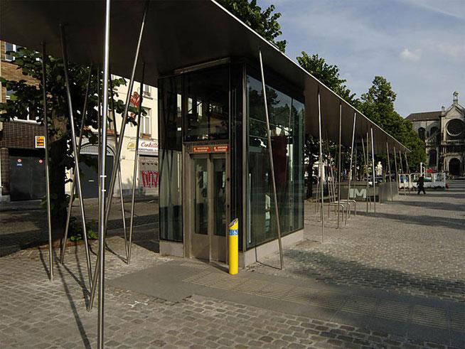 Auvent de la station de métro Sainte-Catherine à Bruxelles