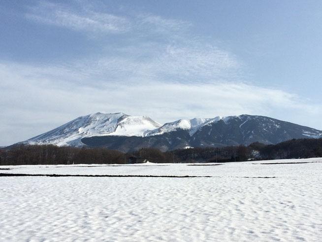 吾妻郡から望む浅間山