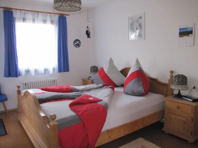 Schlafzimmer Haus 118 im Ferienhaus Knöpfle für Ihren erholsamen Schlaf.