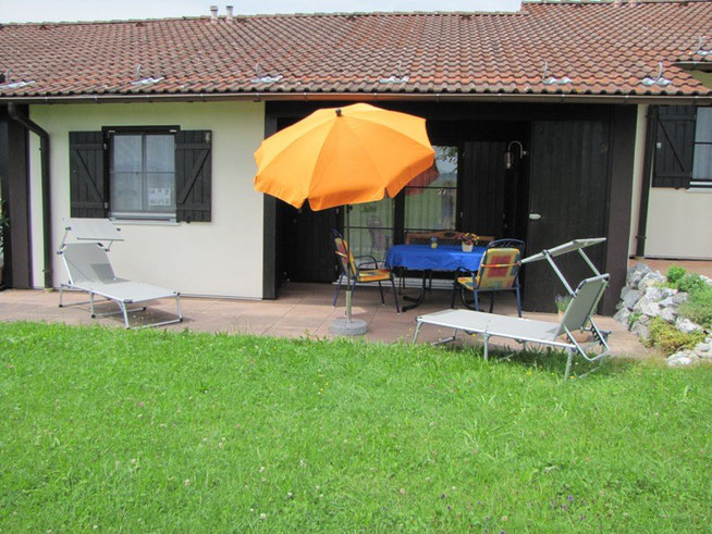 Überdachte möbilierte Terrasse auf ca. 18 qm, Ferienhaus Knöpfle Haus 118
