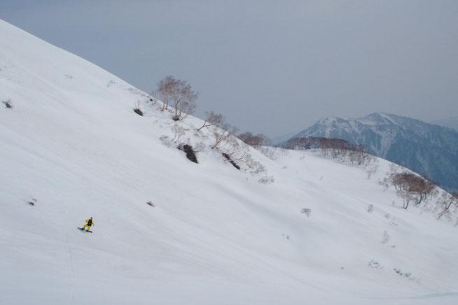 白山を滑走その1