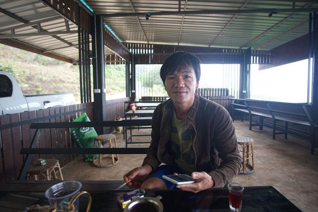 Mein Wirt und Helfer im Thailändischen Café