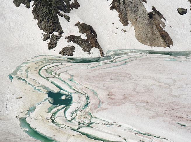 Eissee unterm Gletscher - tödliche Gefahr