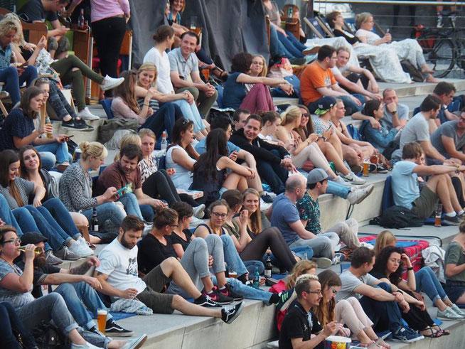 Hyperborea Tourfinale in Köln - Die ersten Besucher kommen