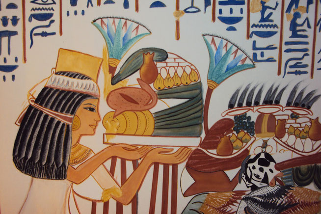 Farbrekonstruktion einer Szene aus dem Grab der königlichen Amme Maia in Sakkara, Ägyptenausstellung 2011 in Wiesbaden, Foto: Daniela Rutica