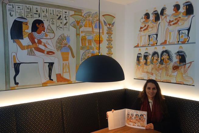 ägyptische Wandmalereien von Daniela Rutica im Restaurant St. Markus in Brenkhausen nach dem Vorbild thebanischer Grabmalereien (hier: Grab des Nacht und Nabamun)