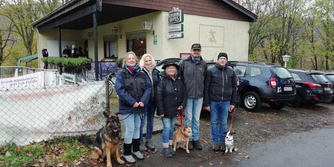 Manuela + Loki, Anke, Sonja + Enie-May,Roland, Matthias + Manchito