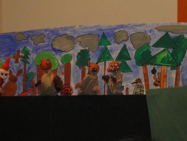 Kasperlitheater für Schulklasse selber machen