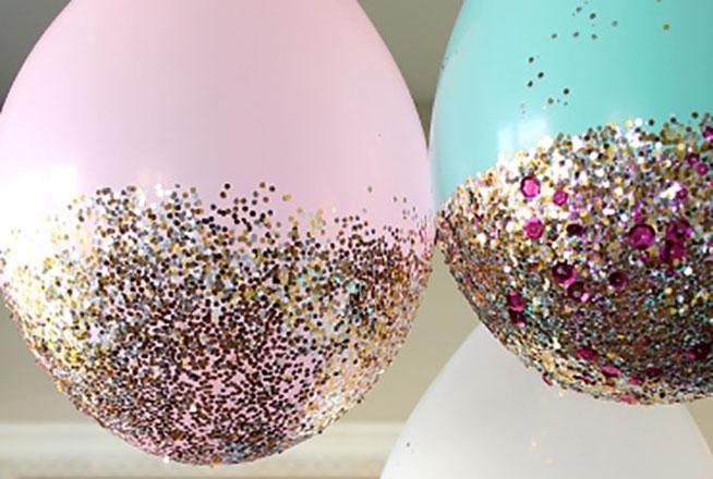 hacer globos con diamantina