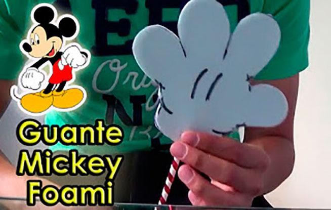 guante de mickey mouse con foami