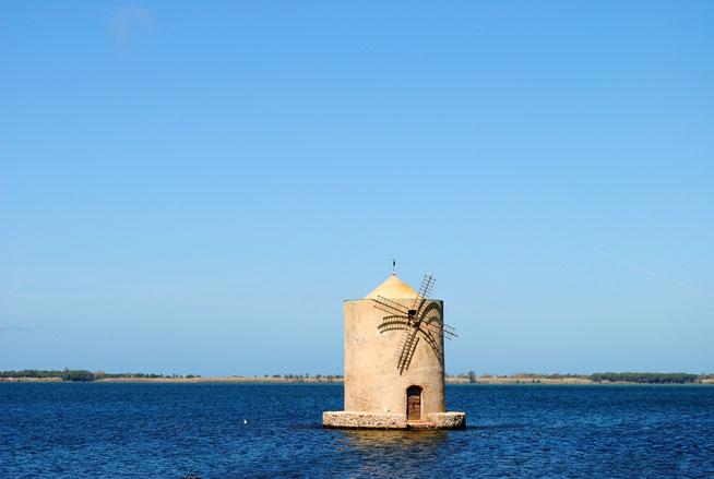 Moulin espagnol sur l'eau