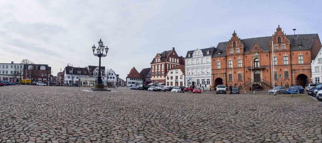 Bild: Der Marktplatz von Glückstadt