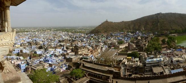 Bild: Panoramaaufnahme der Stadt Bundi in Rajasthan