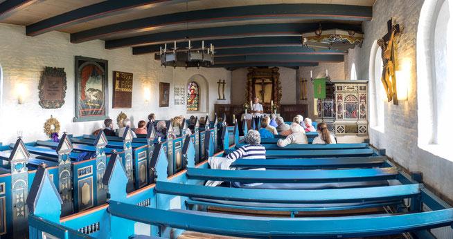 Bild: Kirchenschiff der St.-Johannis-Kirche