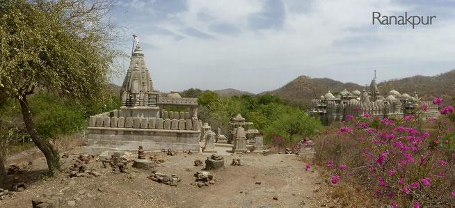 Bild: Blick auf die Tempelanlage in Ranakpur in Rajasthan, Indien