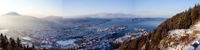 Bild: Panorama auf Bergen