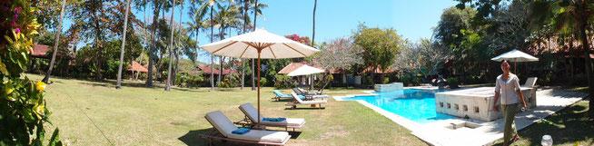 サヌールのナタバレビラの庭