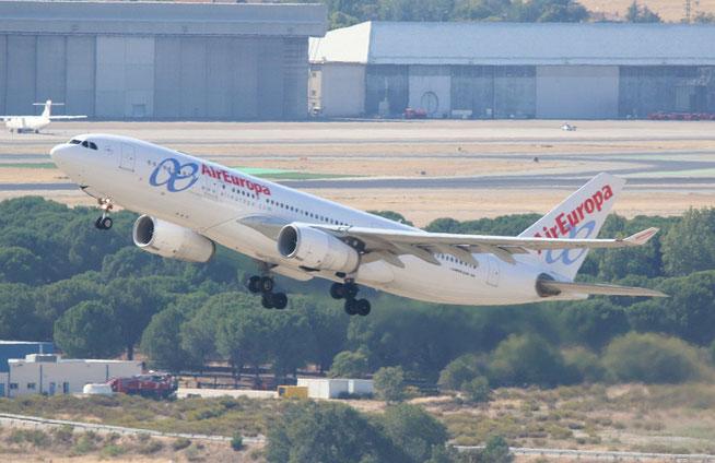 """A 330-243  """" EC-LVL """"  Air Europa -1"""