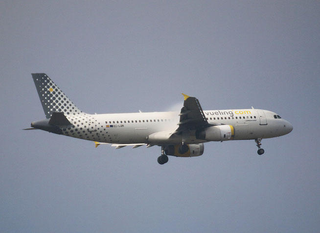"A 320-232 "" EC-LQN "" Vueling Airlines -1"