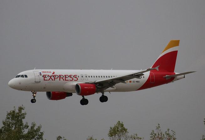 """A 320-214  """" EC-MBU """"  Iberia Express -2"""