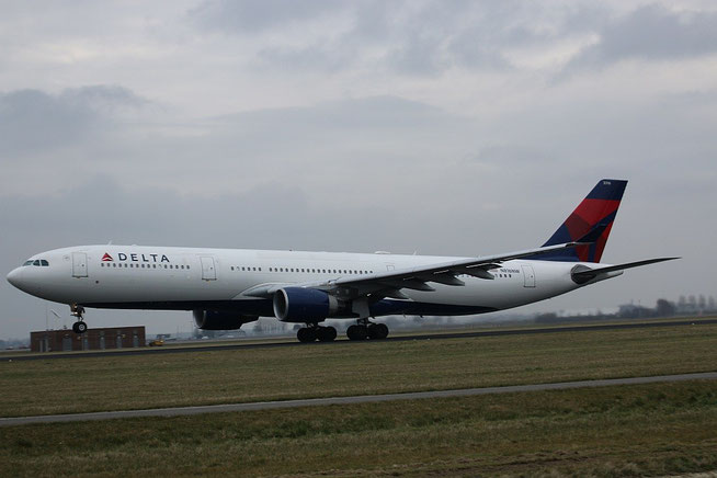 A330 N816NW-1