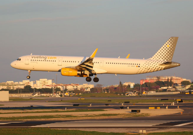 """A321-231 (W) """" EC-MHB """"  Vueling Airlines -2"""