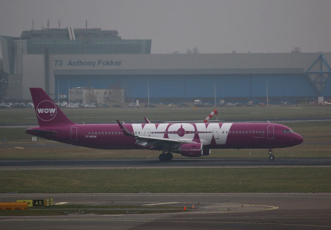 "A 321-211(W)  "" TF-MOM "" WOW Air-1"