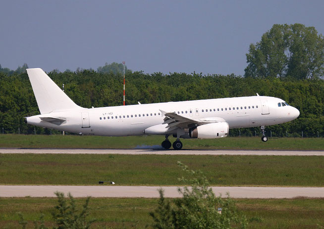 "A 320-233  "" LY-VEI "" Avion Express -2"