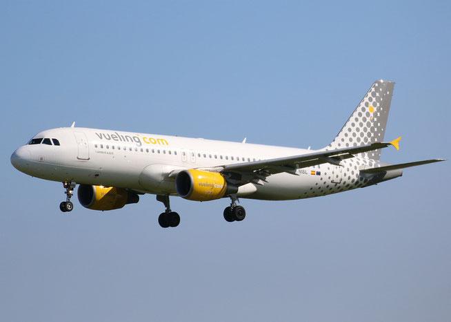 "A 320-214  "" EC-MBL "" Vueling Airlines -3"