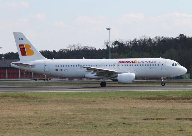 A320 EC-LYE-2