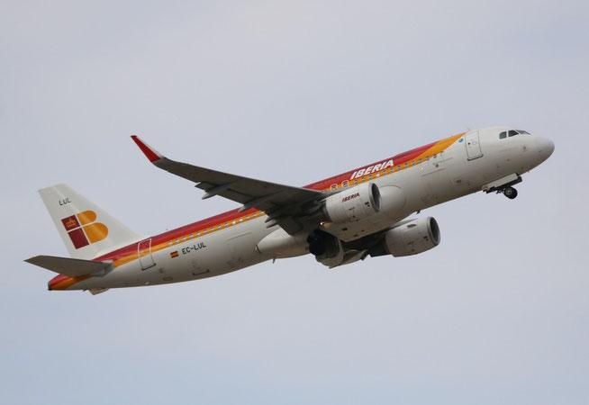 A320 EC-LUL-1