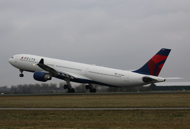 A330 N812NW-1