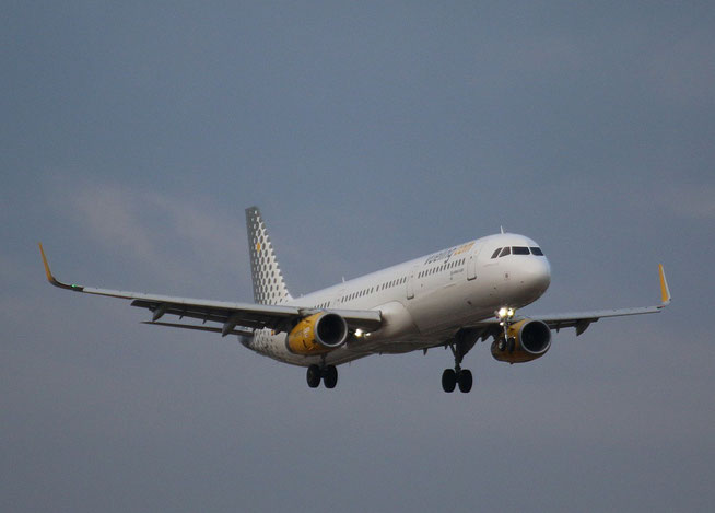"A321-231 (W) "" EC-MGZ ""  Vueling Airlines -1"